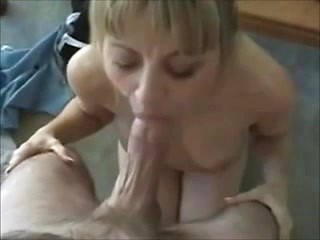 Amateur Russian babe picked up for dirty...
